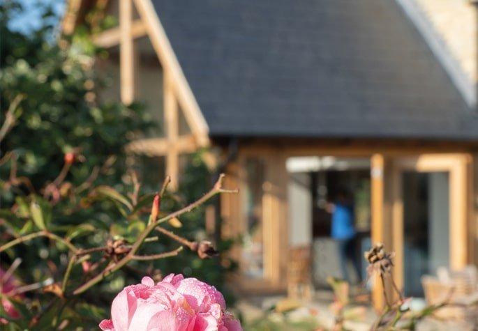 Oak framed garden room cameo
