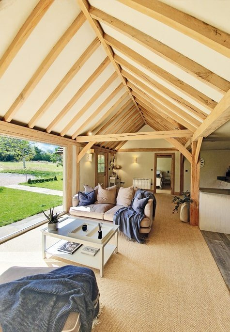 Oak framed living room with kitchen in annexe building