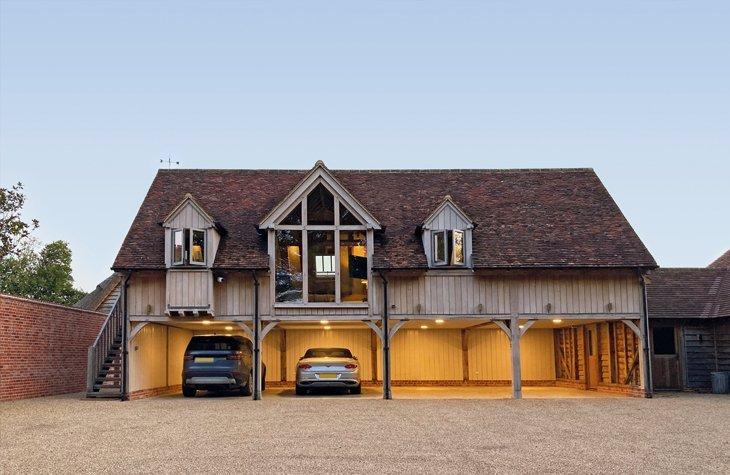 Oak framed garage with accommodation